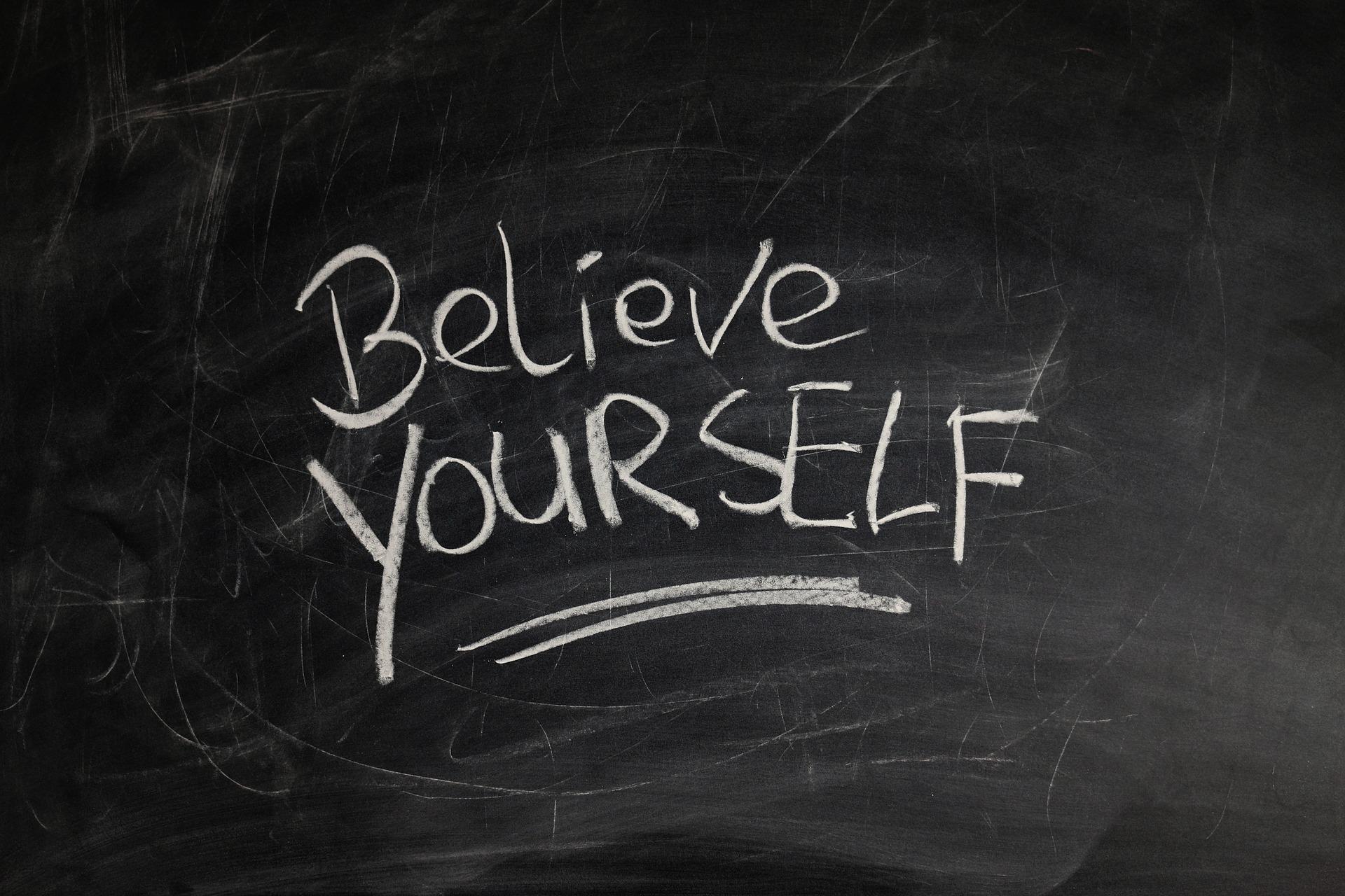 Lo dice pure Confucio: Preoccupati se non apprezzi te stesso!