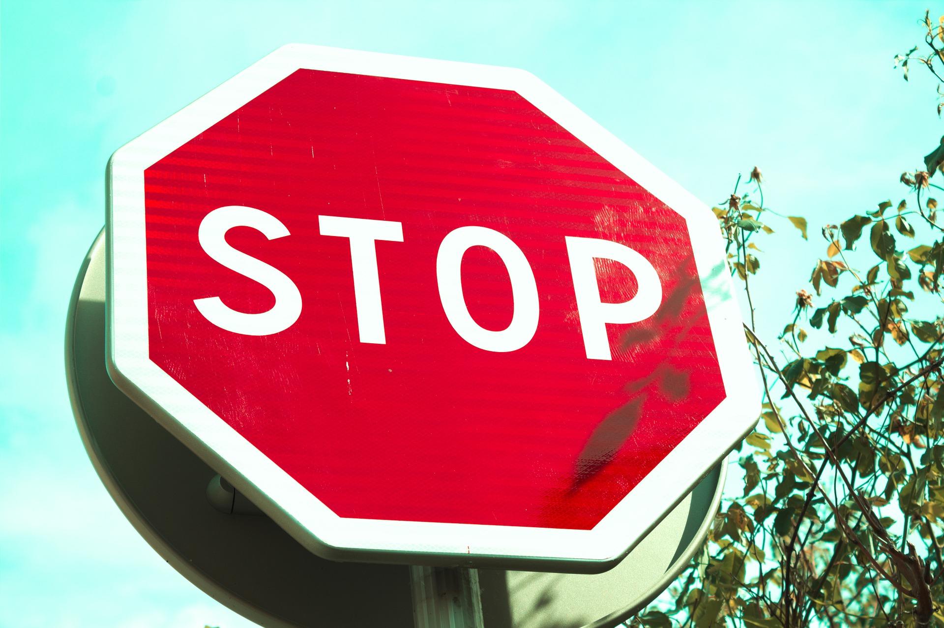 Fermati!